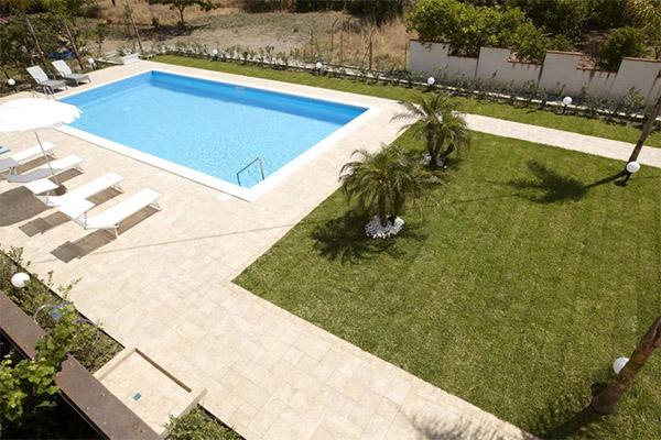 Progettezzione piscine messina realizzazione costruzione piscina pubblica bed and breakfast - Piscina pubblica roma ...